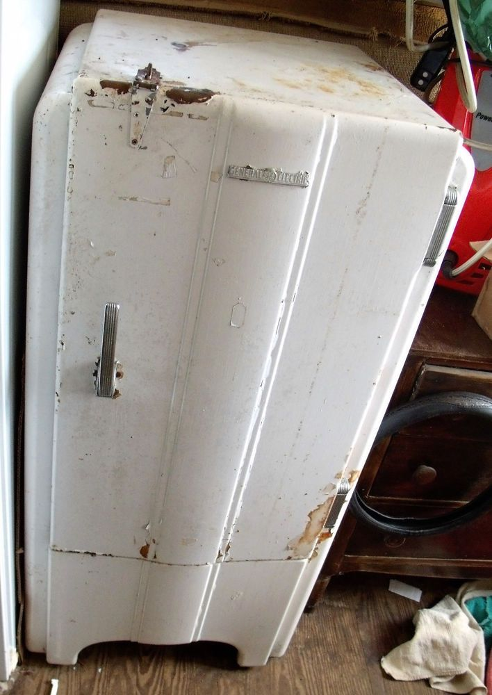Working Vintage General Electric Refrigerator 30-40s retro modern classic