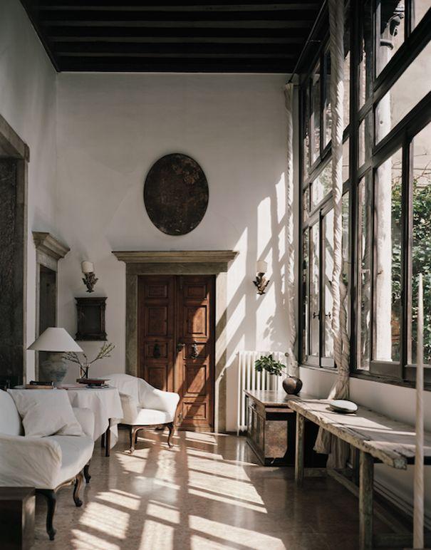 Venetian apartment   design: Axel Vervoodt   photos: Vincent Laroux for AD Magazine France