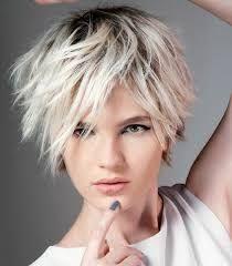 Resultado de imagen de cabello corto con mechas blancas