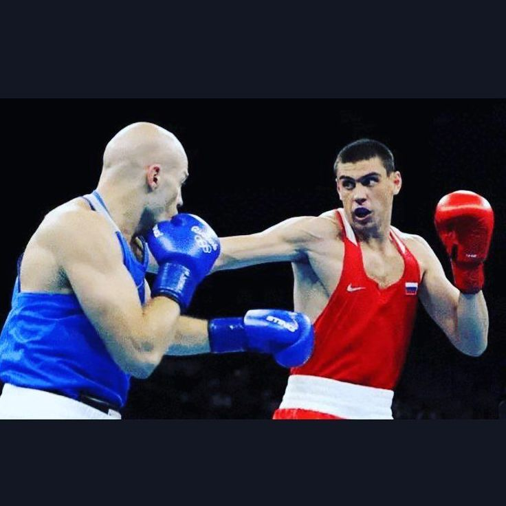 Russian delegation for another gold  #rio #boxing #rio2016 #Russian #olympics #brazil #win #makeithappen #countdown #roadtorio #wirhabeneinziel #timebrasil #brasil #football #brasilfootball #rionews #rioexpress #expressnews #sportsnews #instanews #instasports #tbt #like #follow #2016olympics #competition #schedule #Rumba #espanol