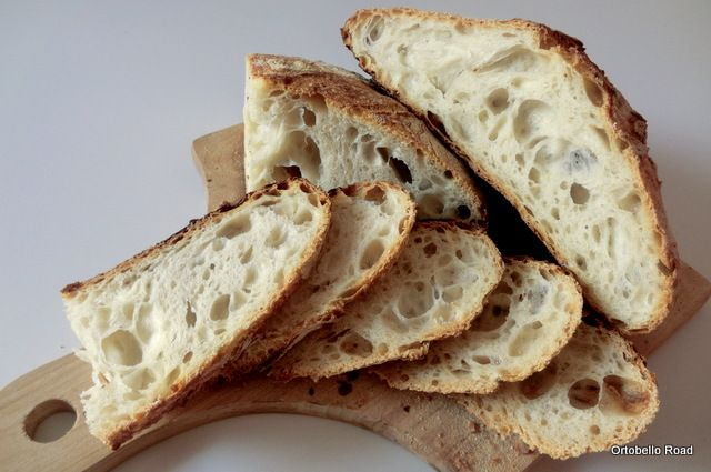 Pane semplice con Esubero di lievito.