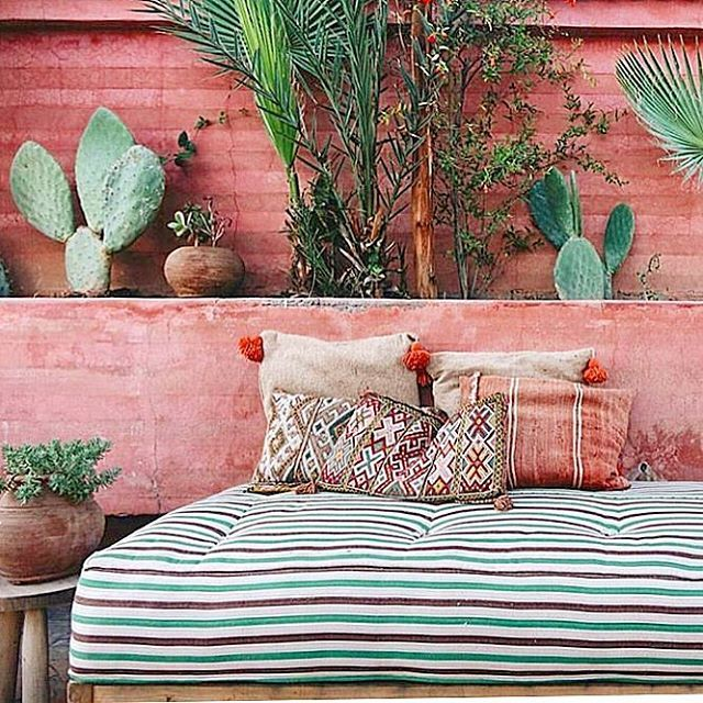 Stripes + kilim throws + cacti : my rooftop terrace inspiration from @riadjardinsecret via the colorful feed of @design.junkie