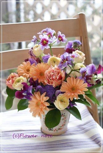 【今日の贈花】お見舞いのお花は優しい色合いで|Flower note の 花日記 (横浜・上大岡 アレンジメント教室)