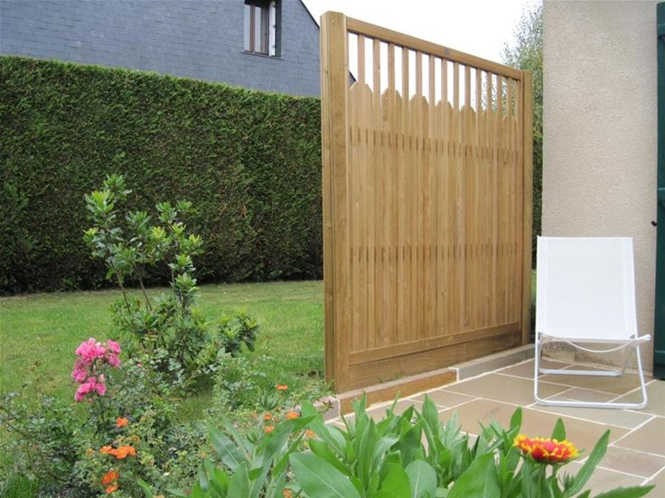 paliframe fence panels are a contemporary variation of. Black Bedroom Furniture Sets. Home Design Ideas