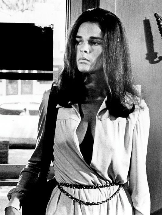 ali macgraw as carol mccoy in the getaway classic movies sch ne frauen sch ne hintern und frau. Black Bedroom Furniture Sets. Home Design Ideas