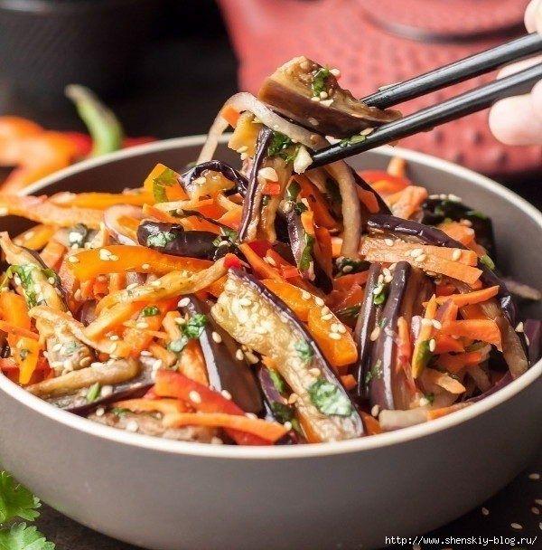 Азиатский салат *Хе* из баклажанов,