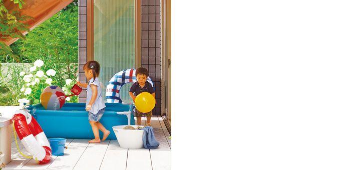セキスイハイムと世界に誇るアウトドアメーカー「スノーピーク」が一緒に新しい暮らしを考えました。アウトドアグッズの収納だけでなく自宅でもアウトドアを楽しむ工夫が散りばめられているまるで、野遊び基地のような住まいです。