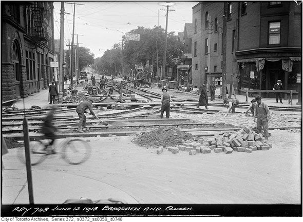Queen and Broadview, 1918