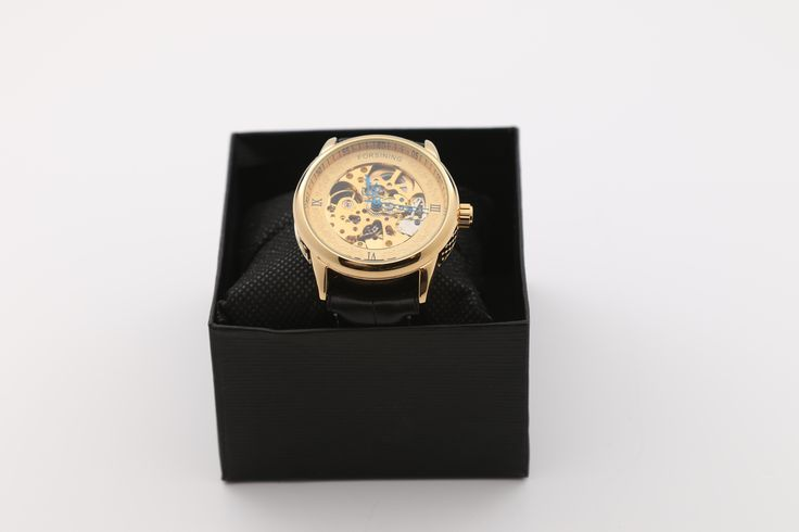 Dit heel mooie gouden horloge van forsining heeft een goede uitstraling maar is ook vooral kwalitatief. Met dit horloge krijg je alle aandacht. . Dit horloge word verzonden in een doosje. http://justmerried.luondo.nl/12102150/forsining-horloge-goud