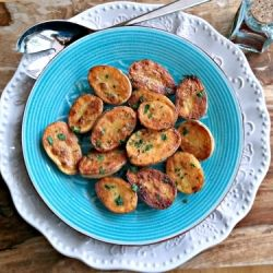 This speedy Spanish potato recipe makes an excellent tapa or side dish!  #foodgawker
