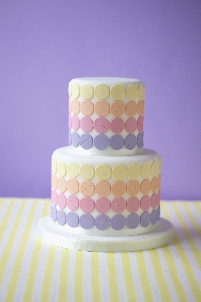 Pastel dot cake
