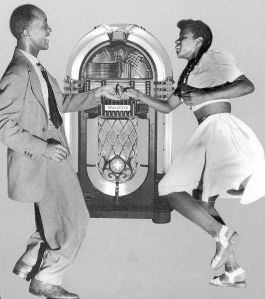 The jukebox was a new technological development of the Swing Era.: Dance Style, Graphics Design, Swings Era, 20S 40S, Jazz Dance, Jazz Music, Swings Dance, Swings Jazz, Aint