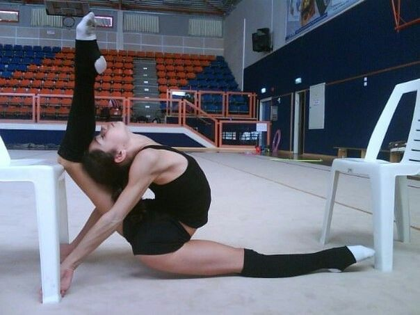 You are never too old to set another goal or to dream a new dream. Rhythmic gymnastics training stretch quote motivation