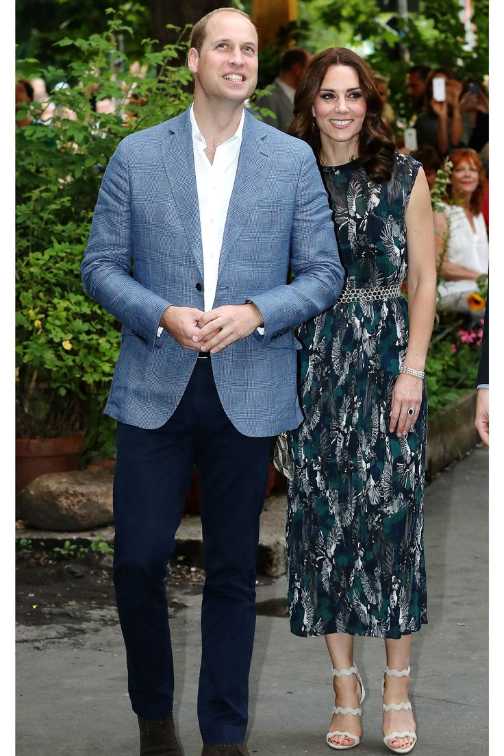 Why Kate Middleton Wears A Wedding Ring But Prince William Doesn't #refinery29 http://www.refinery29.com/2017/10/178228/kate-middleton-prince-william-wedding-ring#slide-2