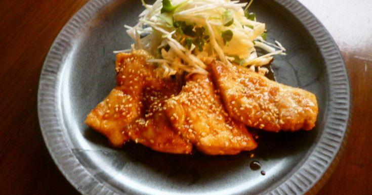 しっとり柔か~い鶏むね肉のピリ辛ソテーです(^^)