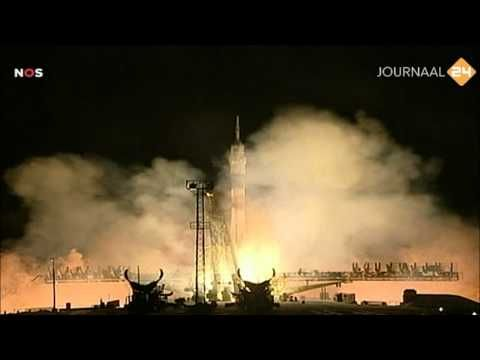 André Kuipers (Dutch astronaut) - The Launch to ISS (December 21, 2011) - YouTube