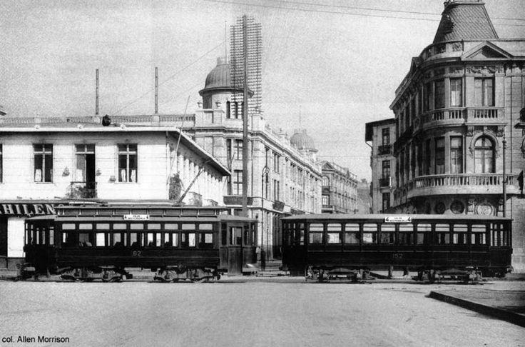 Tranvía salón y remolque, Plaza Victoria en Valparaíso. Archivo: Los Tranvías de Chile.  XXX