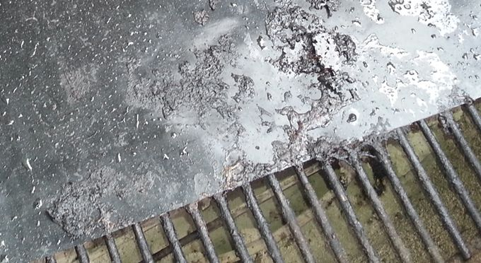 The easy way to keep your grill grates clean. Once in place, you'll never have to scrape and scour to remove old food, and you'll never have to cook on a dirty surface again. Totally washable and reusable, this amazing grilling surface also improves flavor and allows you to grill a greater variety of foods.