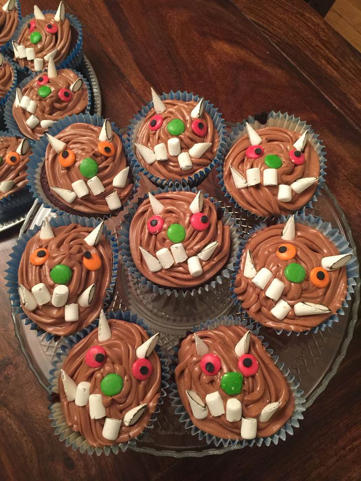 Gruffalo inspired cup-cakes.. Not to hard to make.