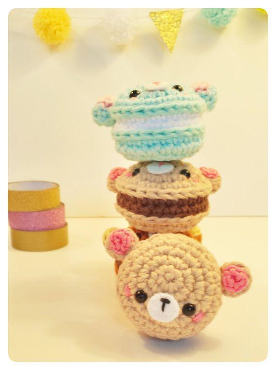 Bear macaron amigurumi kawaii crochet by GingerbreadAndComp. (Available to purchase on Etsy).