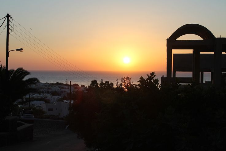 Auringonnousu. Kamari, Santorini
