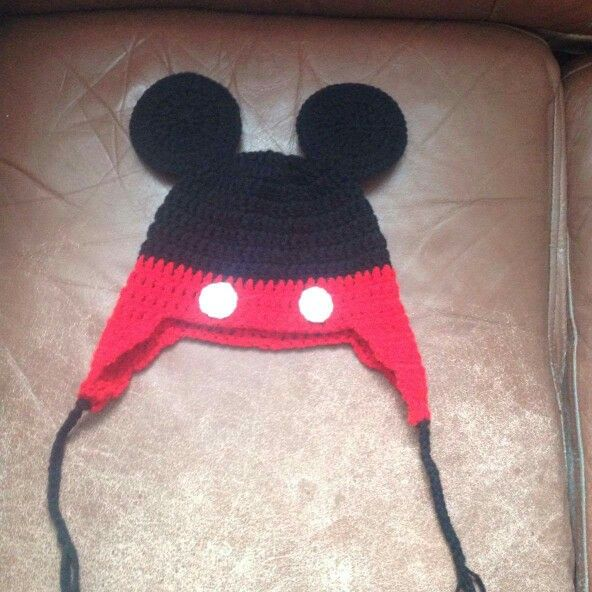 Mickey mouse hat size 4 to 6x