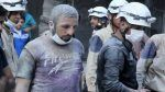 White Helmets berduka 9 pekerjanya meninggal dunia dalam serangan udara oleh rezim Asad  HAMA (Arrahmah.com)  Direktorat Pertahanan Sipil atau yang lebih dikenal dengan White Helmets di pedesaan Hama mengumumkan kematian sembilan kadernya yang tewas dalam pemboman udara oleh rezim Nushairiyah pimpinan Bashar Asad yang menargetkan markas mereka di Kafr Zeita pedesaan utara Hama.  White Helmets mengeluarkan sebuah pernyataan yang mengatakan bahwa markas mereka di Kafr Zeita diserang pada Sabtu…
