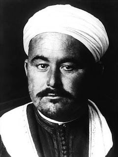 """""""Muhammad Ibn Abd el-Krim Al-Khattabi (1882, Axdir- 1963, El Cairo). Caudillo rifeño y Presidente de la efímera República del Rif (1921-1926..."""