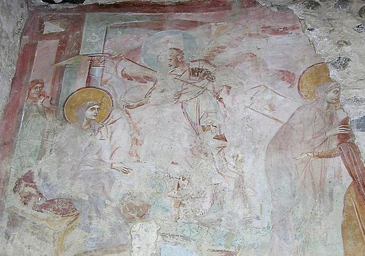 Chiesa di Santa Maria foris portas, Castelseprio, Lombardia. Gli affreschi del IX-X secolo. Alcuni studiosi (anche Lasarev) li attribuiscono al VII – VIII secolo, collegandoli agli affreschi di Santa Maria Antiqua a Roma. Annunciazione