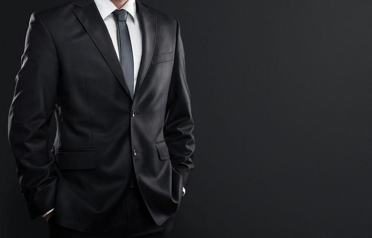Внешний вид делового человека – это его визитная карточка. По тому, как вы выглядите, ваши партнеры и клиенты могут заключить, какой вы профессионал. Ведь как ни крути, а встречают все равно по одежке. Но купить презентабельный деловой костюм – это полдела. Самое сложное – подобрать пиджак, брюки, рубашку и аксессуары так, чтобы они идеально подчеркивали…