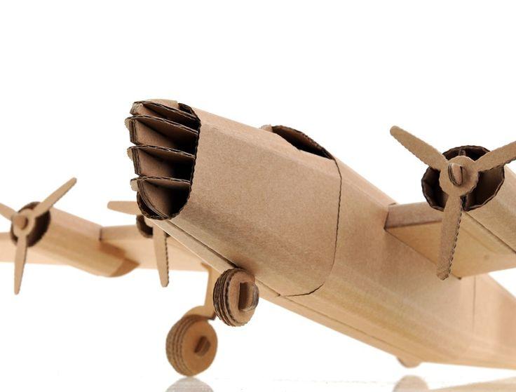 avion de carton
