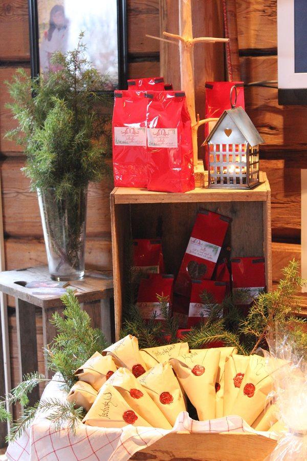 Vi säljer bland annat vårt eget jul te och julkaffe samt gammaldags hemgjort julgodis....