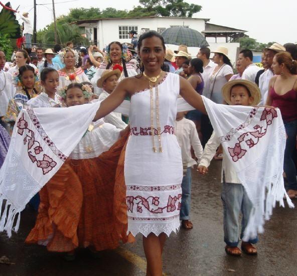 Vestidos Estilizados Tipicos De Panama