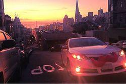L'offre de #VTC d' #Uber se rapproche dangereusement de celle de #covoiturage urbain de #Lyft | via @mallga_tw http://sco.lt/7vI7Af
