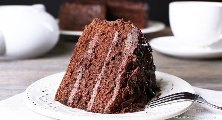 Einfaches Buttercreme-Grundrezept für eine gelingsichere deutsche Buttercreme mit Pudding. Eignet sich für Torten und Cupcakes.