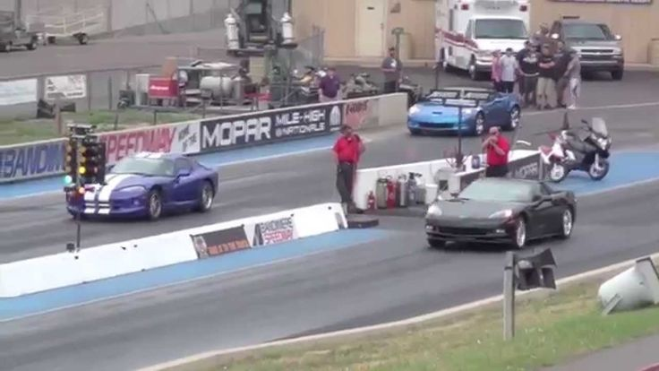 Драг Рейсинг Додж Вайпер и Шевроле Корветт Drag Race Dodge VIPER SRT10 v...