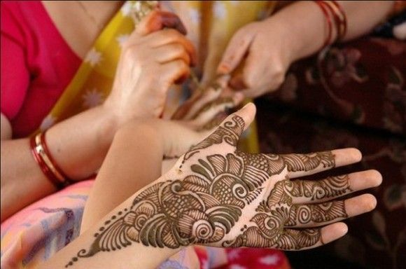 Beautiful Simple Latest Mehndi Designs Pictures
