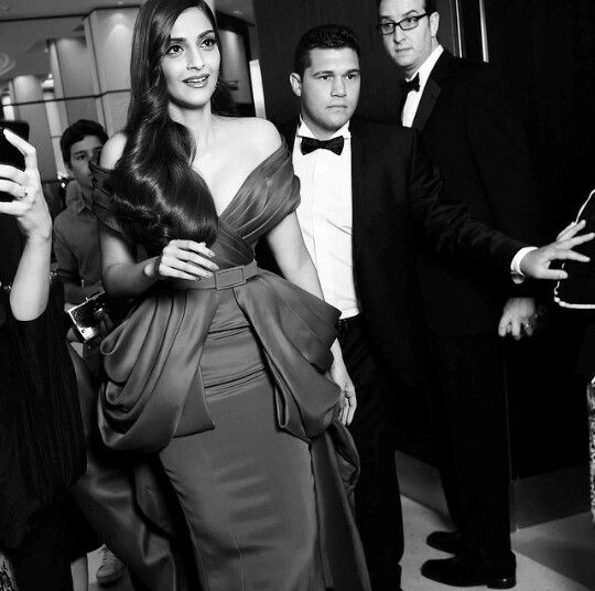 Beautiful Sonam Kapoor in Cannes 2015
