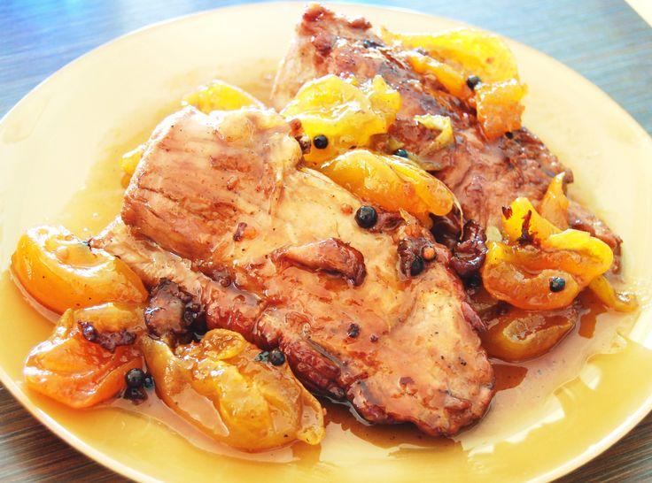 Χοιρινό κρασάτο με γλυκό καϊσι  pork fillet with appricot spoon sweet