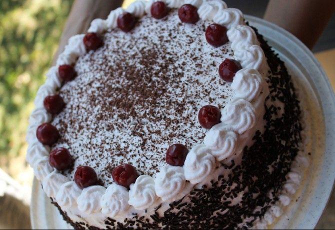 Glutén- és tejmentes feketeerdő torta