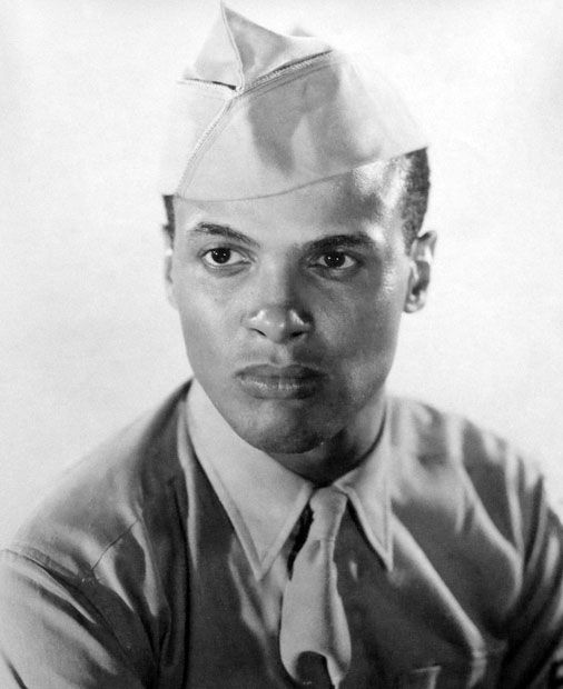 Harry Belafonte: At the young age of 19, after serving in the U.S. Navy during World War II, veteran Harry Belafonte attended The New School for Social Research in New York City, using his GI Bill benefits.