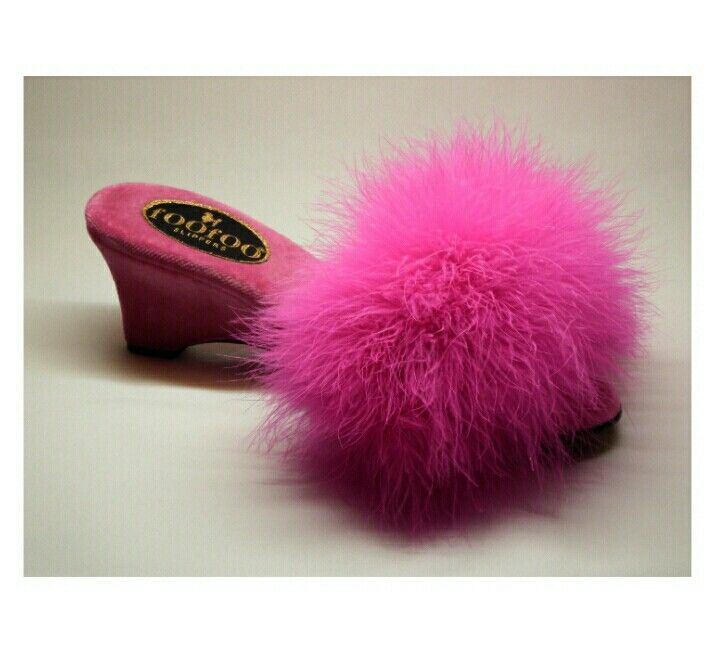 The foofoo slipper is a vibrant pink marabou top for those that wish to shout out a statement. With the classic vintage style heel, it is elegant and bold. Wrapped in a beautiful rich velvet mule, hand made by a true craftsman, makes it a gorgeous slipper.