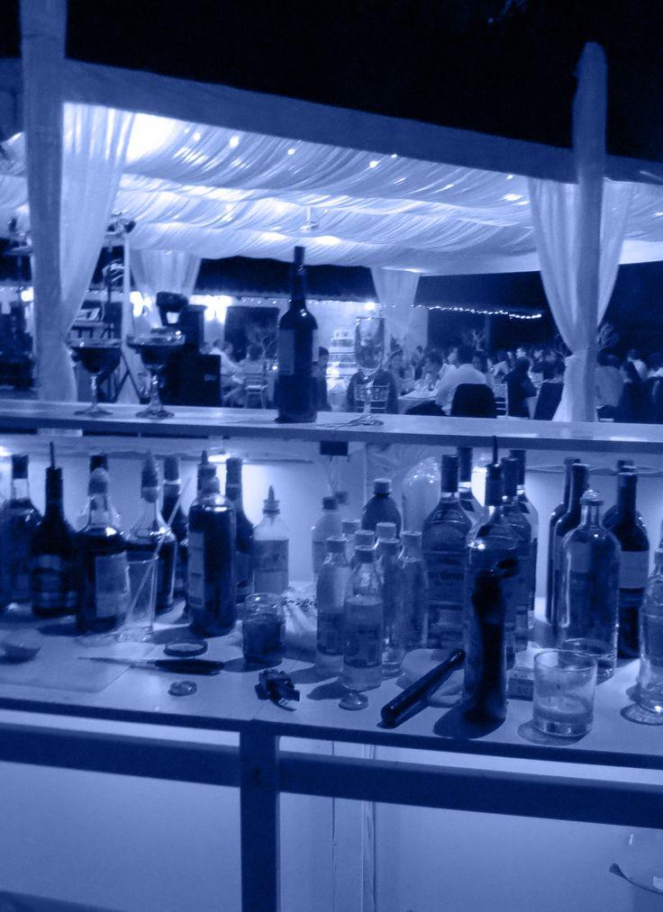 No falta nada para tu evento especial en Cali.  Click ofrece todo - Sonido Profesional, Iluminación y efectos especiales, Ayudas Audiovisuales, Barras Cocteleras, Mesas y sillas tipo Bar y más.
