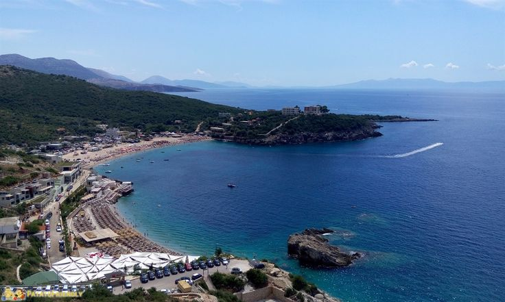 Vademecum di informazioni utili per organizzare un viaggio in Albania: quanto costa il viaggio, i prezzi di hotel e ristoranti, dove prenotare e fare acquisti.
