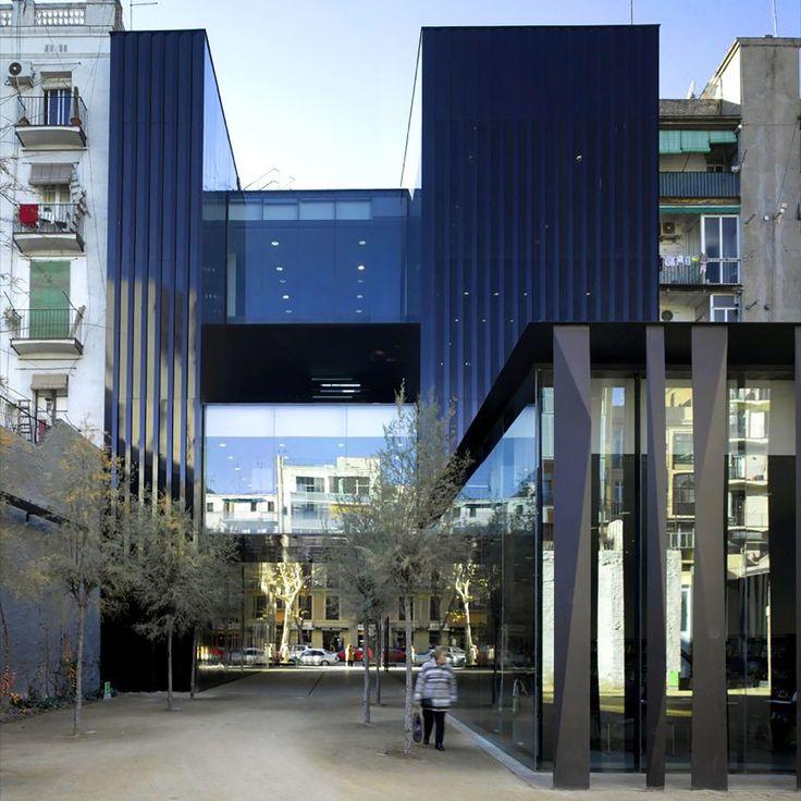Key projects by Pritzker Prize 2017 winner RCR Arquitectes: Joan Oliver Library, Senior Citizens Center and Cándida Pérez Gardens