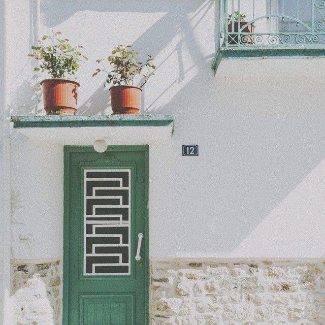 #vscoreal #vscopx #vsco_folks #vscogood #vintage_greece #vsco_greece #freezfram #vscaward #jj_justvzco #shotaward #vscocam #vscoigersworldwide #phlearn #thecoolmagazine #vscomafia #royalsnappingartists #minimal_greece #rsa_minimal #minimalmx #jj_doorsandwindows