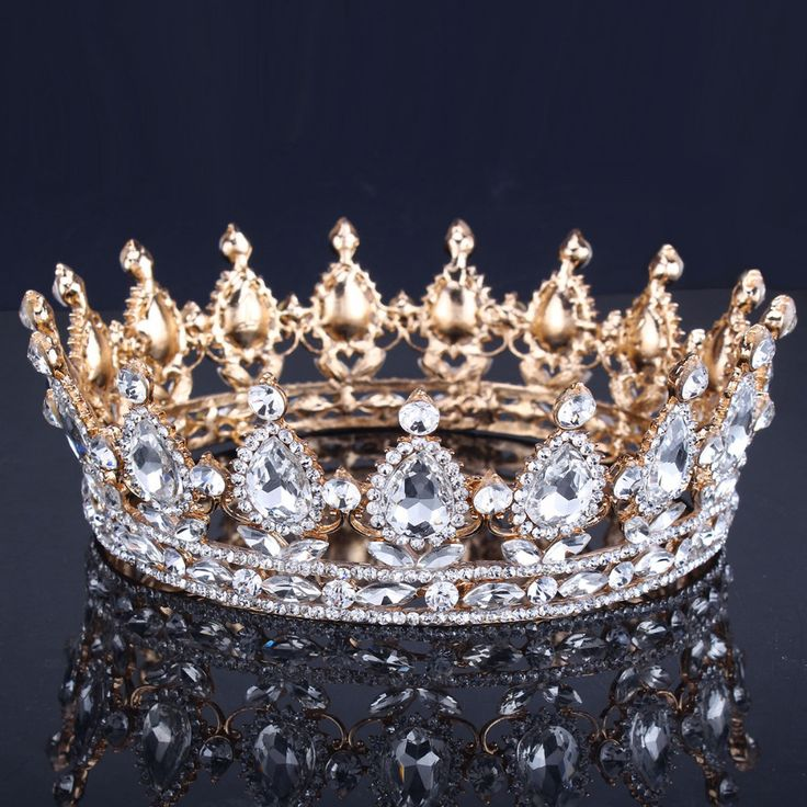 Диаметр 16см.  Просто так.  1120р. Luxury Vantage Gold Wedding Crown Alloy Bridal Tiara Baroque Queen King Crown 18K gold plated rhinestone tiara crown-in Hair Jewelry from Jewelry & Accessories on Aliexpress.com | Alibaba Group