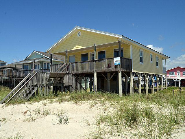 Making Waves Vacation Rental in Oak Island, North Carolina