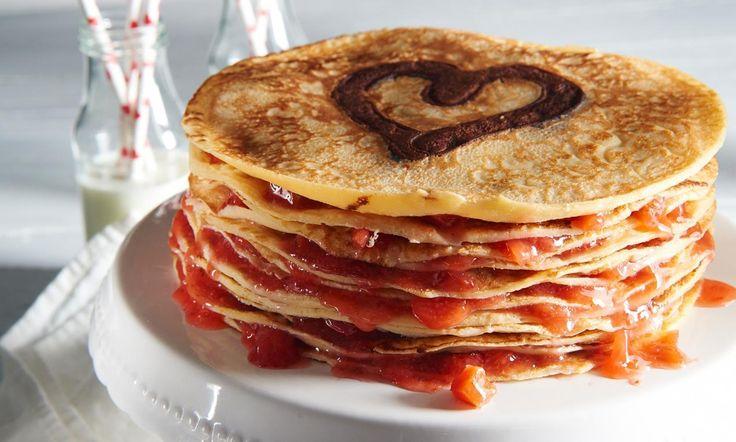 Een pannenkoekentoren met aardbeien, altrijd lekker!