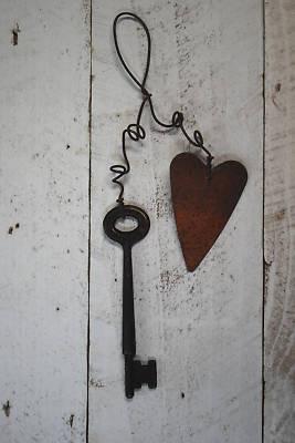 Primitive Rusty Metal Key w/ Rusty Heart Ornament